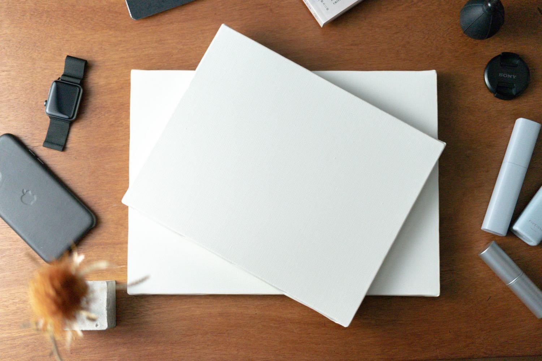 好きなモノが「絵」になる。インテリアにも、撮影にも使える、真っ白なキャンバス。