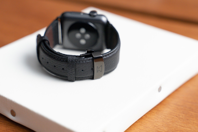 『EPONAS(エポナス) - Apple Watchシュリンクレザーバンド』のロゴ。