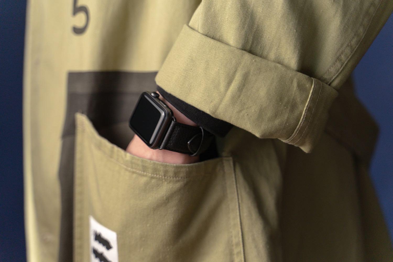 『EPONAS(エポナス) - Apple Watchシュリンクレザーバンド』のコーデ。