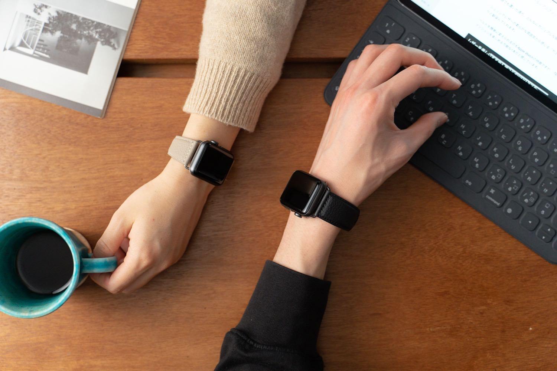 ユニセックスで使える『EPONAS(エポナス) - Apple Watchシュリンクレザーバンド』