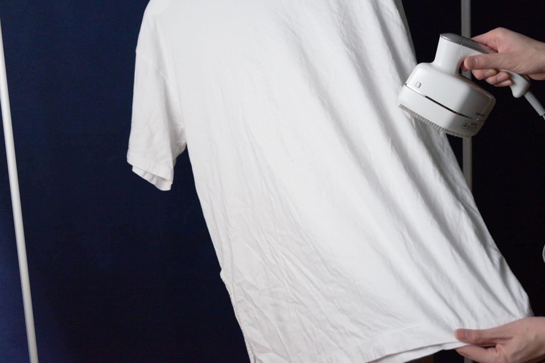 『HITACHI 衣類スチーマー』の使い方。