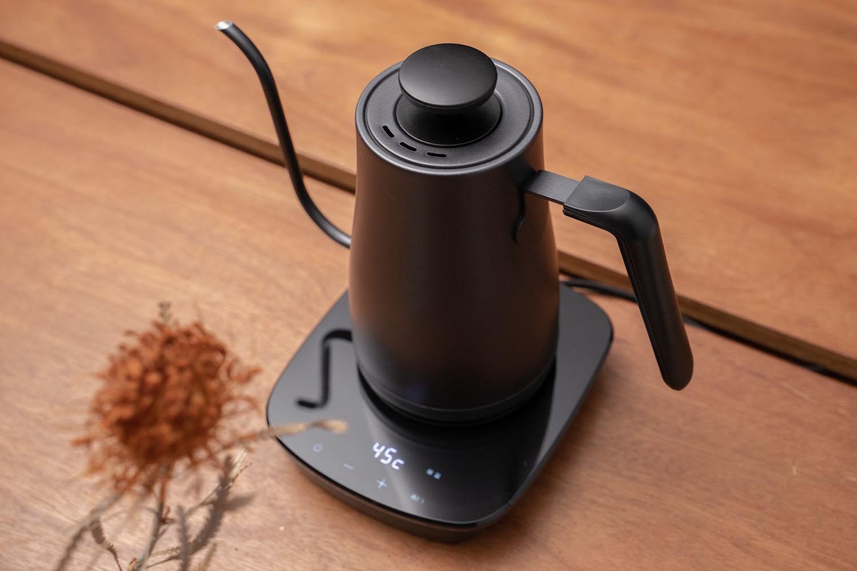 味わいを変える、温度調整が付いた『山善-電子ケトル』。