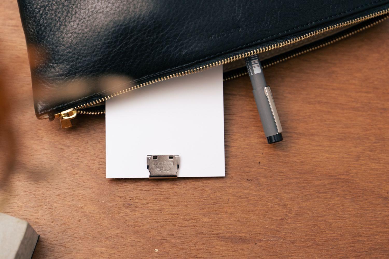 ポーチの中に『LIFE 5×3カード(情報カード)』