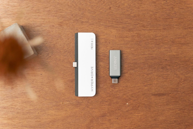『Anker USB-C 2in1 カードリーダー』と「Hyper Drive 6in1 USB-Cハブ」の比較。