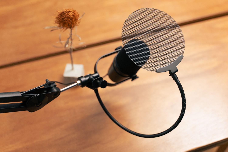 マイクに当たる息を分散させる。『Dicon Audio ポップガード』